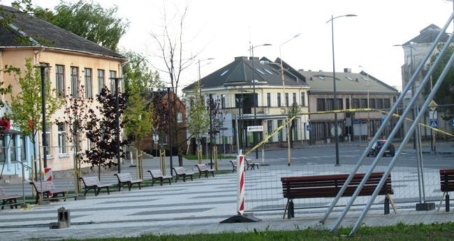 Joniškio miesto aikštė