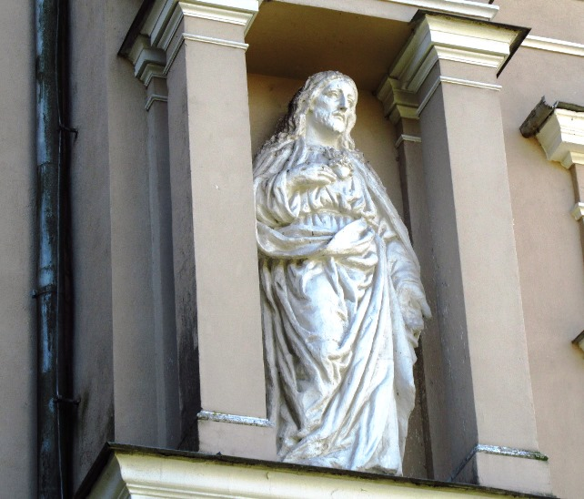 Joniskio baznycios skulpturos